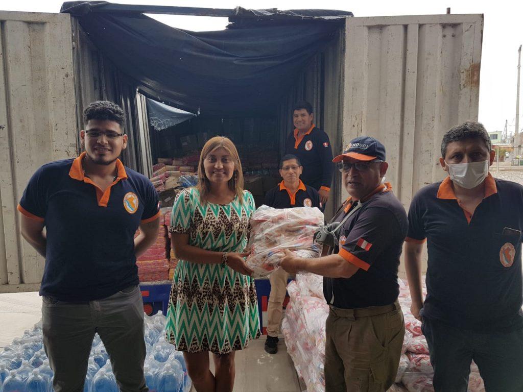 Hombro a Hombro entrega ayuda humanitaria del sector empresarial en Tacna.