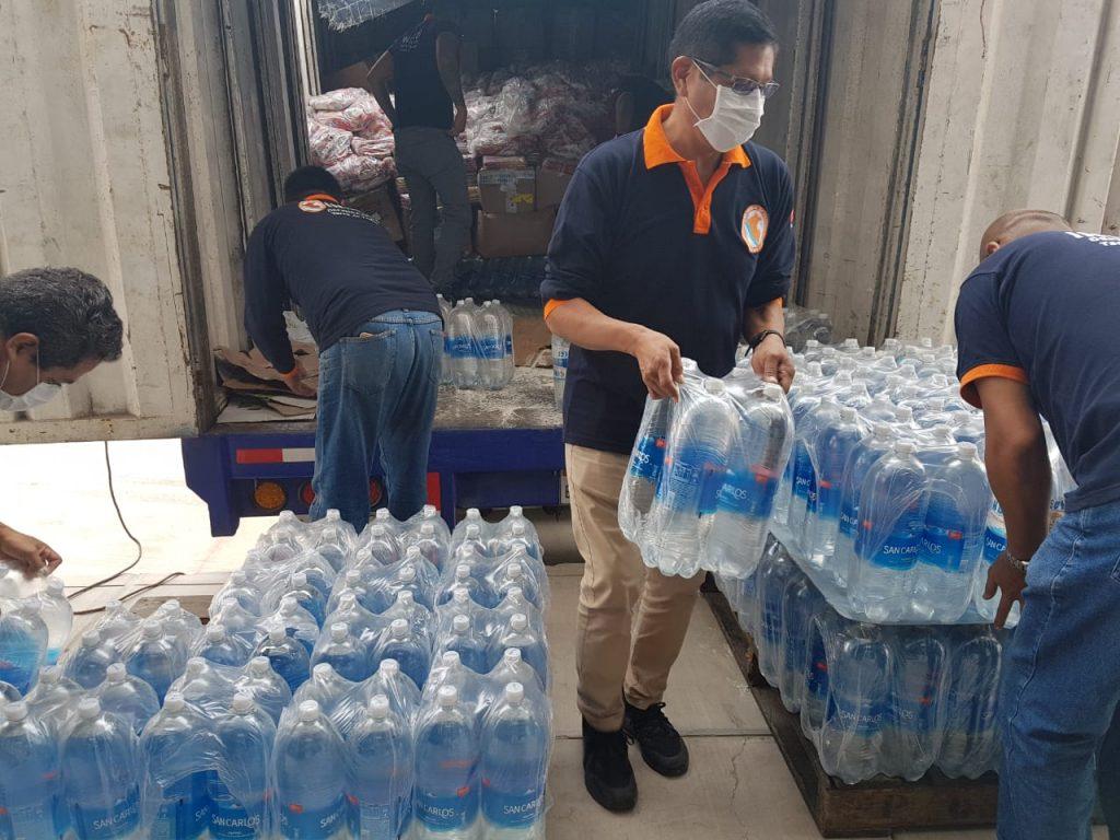 Soluciones Empresariales Contra la Pobreza (SEP), mediante su programa, Hombro a Hombro, entregó 10 toneladas de ayuda humanitaria a Tacna.